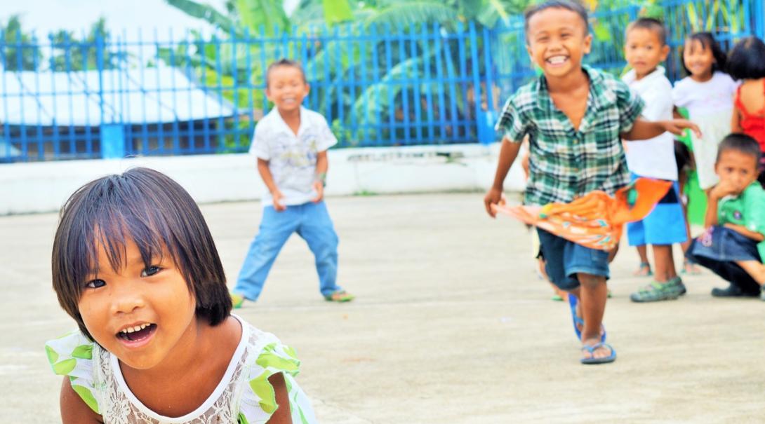 フィリピンの元気いっぱいの子供たち